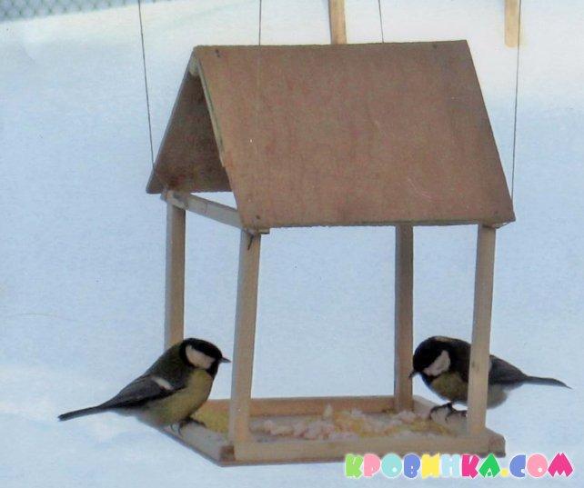 Кормушка для птиц своими руками из фанеры фото