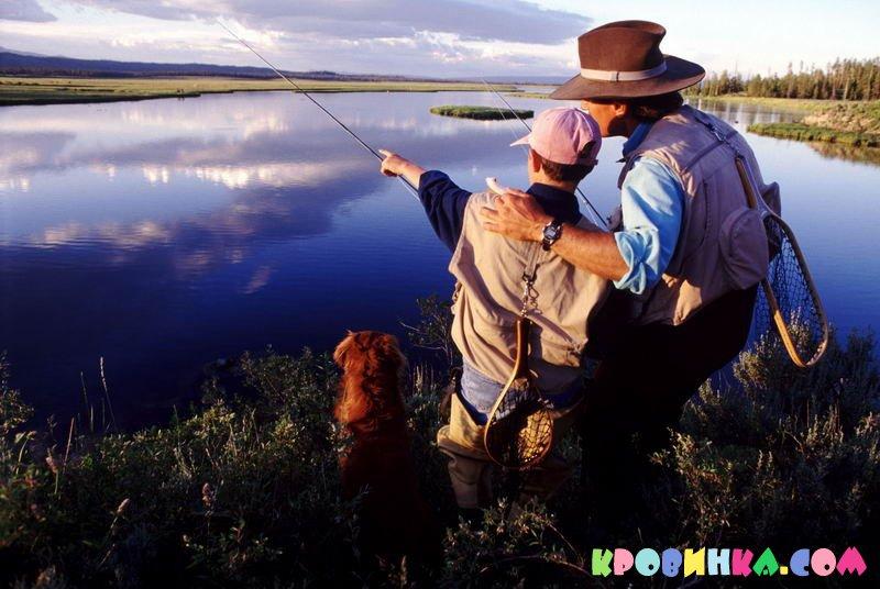 два мальчика парой пошли на рыбалку